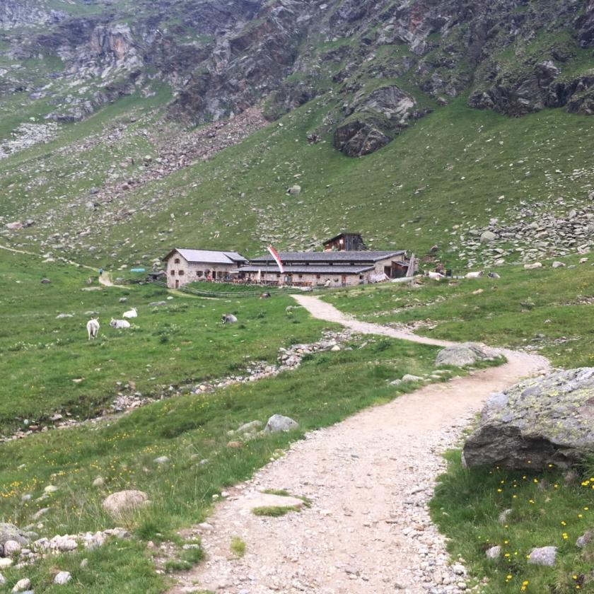 2017-07-12_Seelenwanderung-Spronser-Seen_25_Oberkaser-Hütte